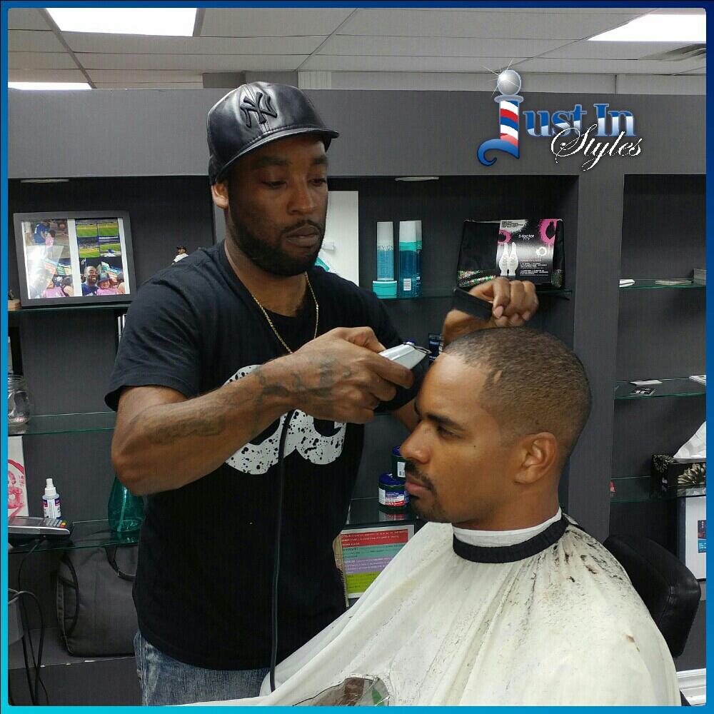 Celebrity Barber Returns to Full-Time Schedule at Pierrefonds Barbershop